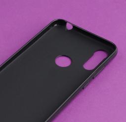 Чехол Motorola Moto E6s чёрный матовый - фото 3