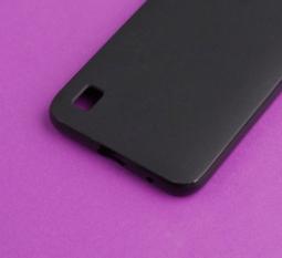 Чехол Motorola Moto E6s чёрный матовый - фото 4
