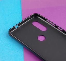 Чехол Motorola Moto One Vision черный матовый - фото 4