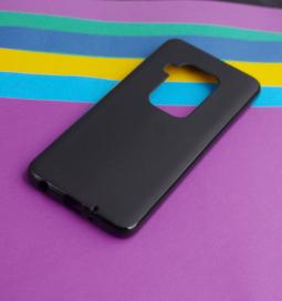 Чехол Motorola Moto One Zoom черный матовый - фото 2