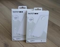 Чехол Motorola Moto Z2 Play Tech21 прозрачный