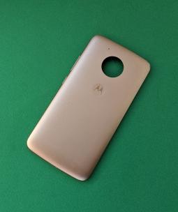 Крышка задняя Motorola Moto E4 золотая С-сток