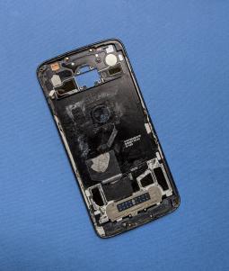 Motorola Moto Z2 Force - фото 2