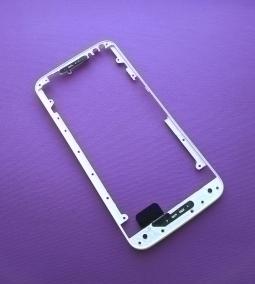 Рамка дисплея Motorola Moto X Style белая (А-сток)