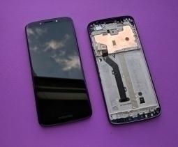 Дисплей Motorola Moto E5 оригинал в рамке