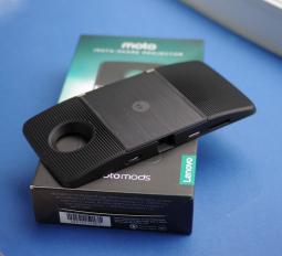 Мото Мод проектор (Motorola Moto Z3 Play)