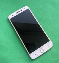 Ремонт экрана (переклейка стекла) Motorola Moto Z Droid