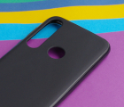 Чехол Motorola Moto G8 Plus черный матовый - фото 4